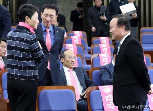 [사진]대화하는 김재원-이언주