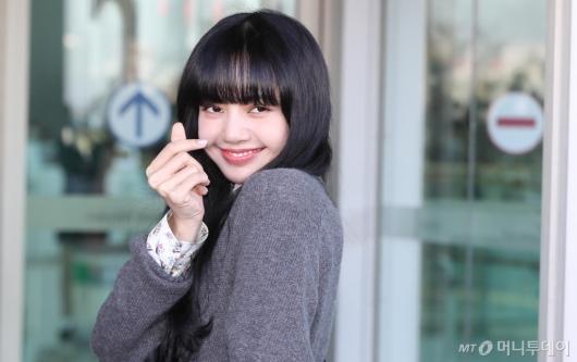 [사진]리사 '눈부신 미소'