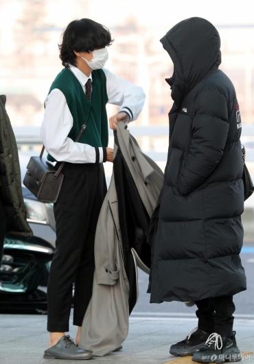 [사진]방탄소년단 뷔 '모범생스타일'