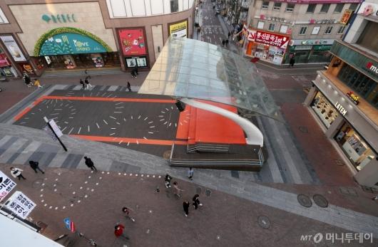 [사진]한산한 동성로 메인 거리