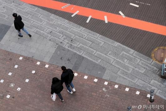 [사진]'코로나19' 여파 텅 빈 거리