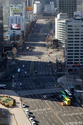[사진]코로나19 우려에 텅 빈 서울 도심