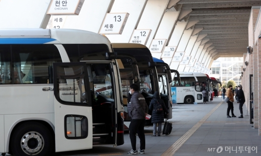 [사진]한산한 고속버스터미널