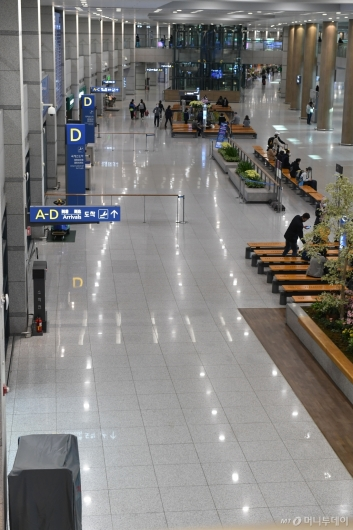 [사진]한산한 인천공항 입국장