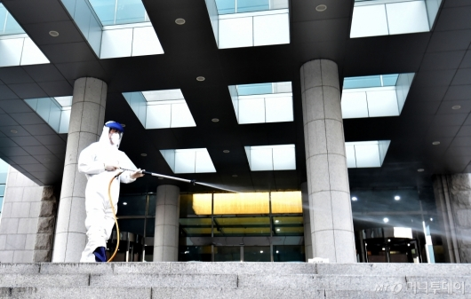 [사진]임시 폐쇄된 국회