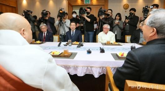[사진]종교계 지도자 만난 박원순 시장...코로나19 확산 방지 논의