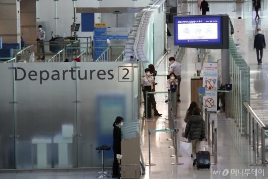 [사진]한산한 모습의 인천공항 출국장