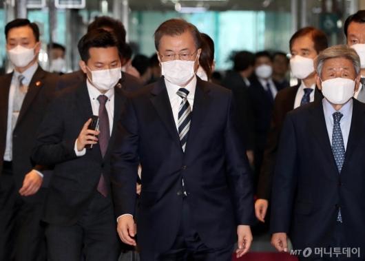 [사진]국회 방문한 문재인 대통령