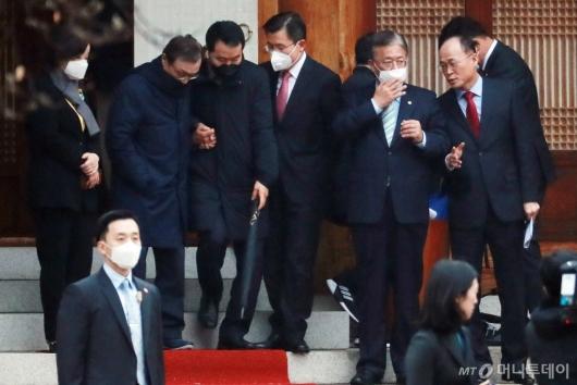 [사진]영수회담 마친 여야4당 대표