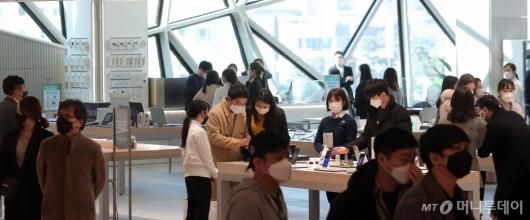 [사진]'코로나19' 긴장 속 오픈한 갤러리아 광교점