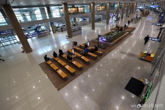 [사진]조용한 인천공항 입국장