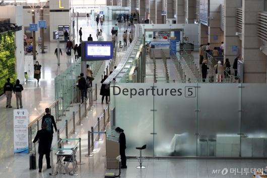 [사진]한산한 인천공항 출국장