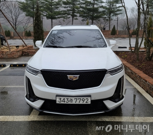 [깨알시승기]'美 럭셔리 SUV 대표'…성능·공간 다 잡은 캐딜락 'XT6'