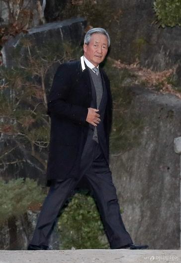[사진]정주영 회장 제사 참석하는 정몽준 이사장