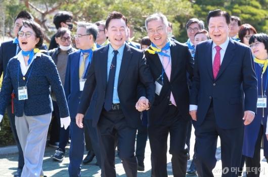 [사진]'활짝 웃는 열린민주당'