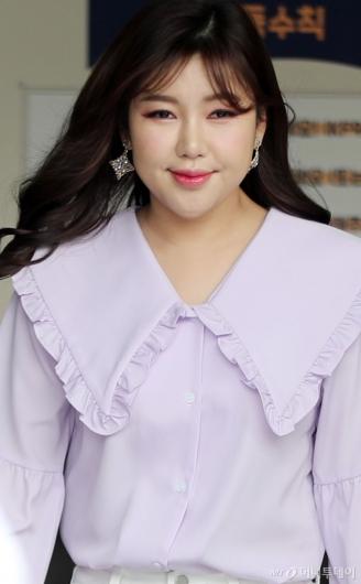 [사진]송가인 '봄빛 미소'