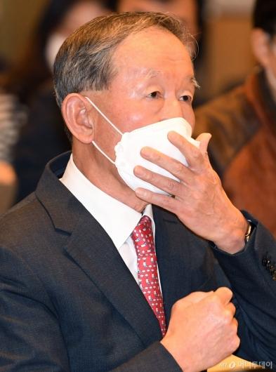[사진]허창수 회장, 코로나19 관련 경제계 긴급 제언문 발표