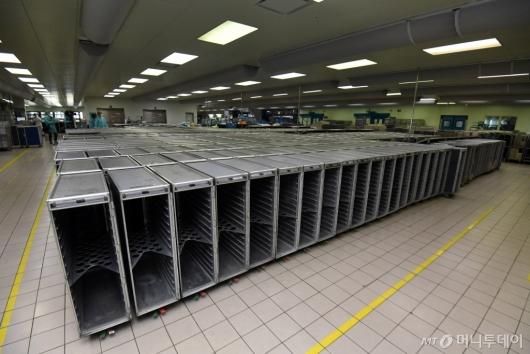 [사진]코로나19 여파에 조용한 기내식 센터