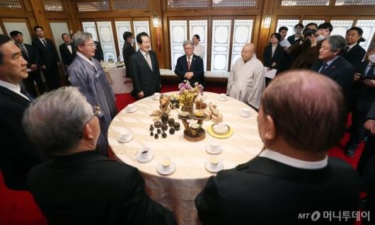 [사진]종교계 만난 정세균 총리