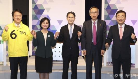 [사진]기념촬영하는 비례대표 후보자들