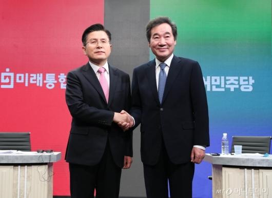 [사진]첫 토론회 갖는 이낙연-황교안 후보
