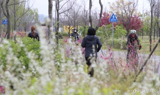 [사진]정부, 사회적 거리두기 '완화'