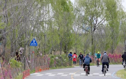 [사진]정부, 사회적 거리두기 '완화' 형태로 지속