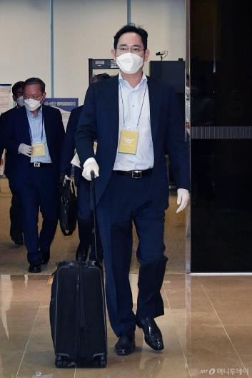 [사진]귀국하는 이재용 부회장