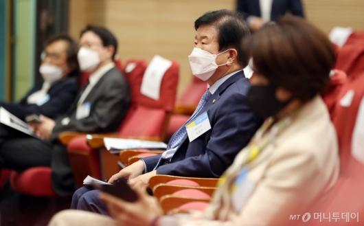 [사진]'대한민국 4.0 포럼' 찾은 박병석