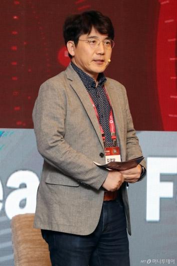 [사진]'2020 키플랫폼' 전야행사 찾은 김경달 대표