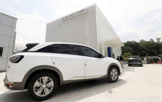 [사진]현대차, GS칼텍스와 H강동 수소충전소 개소