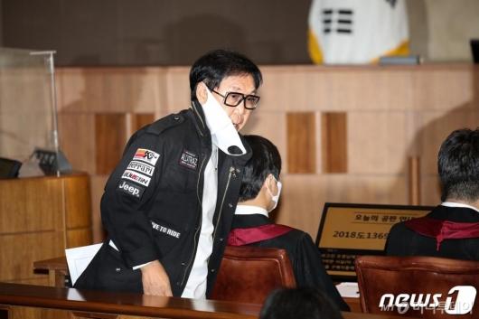 수백억 자산가 조영남, 무료 '국선변호인' 택한 진짜 이유는?
