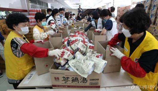 [사진]재난 취약계층 위한 비상식량 세트