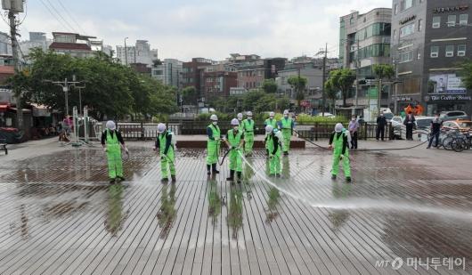 [사진]성북구, 특별 물청소 실시