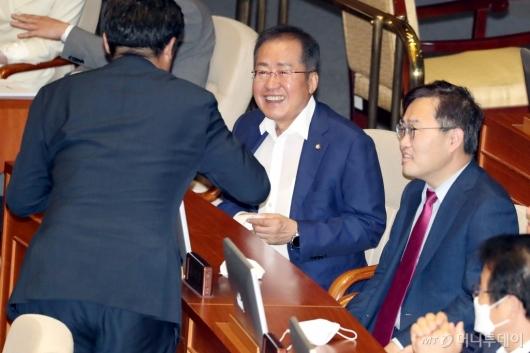 [사진]돌아온 홍준표