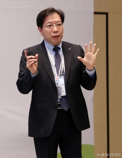 [사진]'2020 인구이야기 팝콘' 주제발표하는 김세용 사장