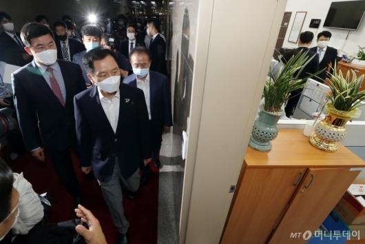 [사진]국회의장 항의 방문한 미래통합당
