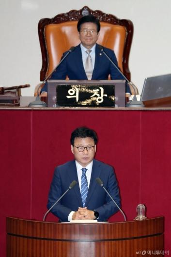 [사진]당선인사하는 박광온 국회 과방위원장