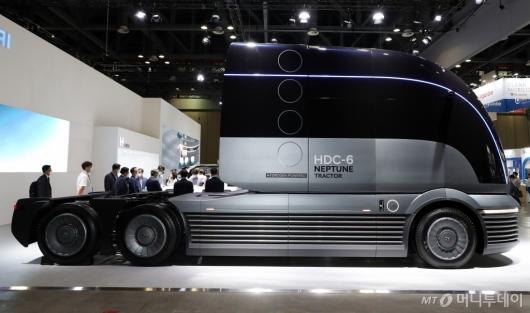[사진]수소 전용 대형 트럭 콘셉트카 'HDC-6 넵튠'