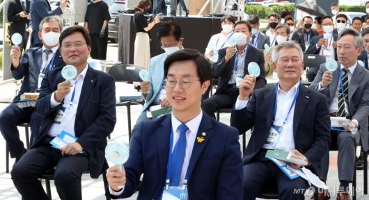 [사진]국립항공박물관 개관식 참석한 구본환-손창완 사장