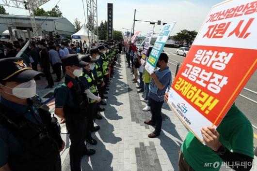 [사진]'원하청 고용보장 강제하라'