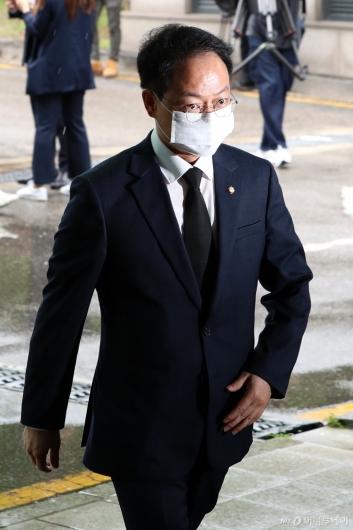 [사진]빈소 들어서는 허영 의원