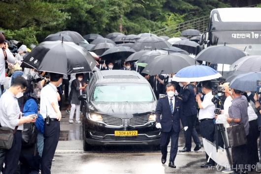 [사진]장례식장 떠나는 고 박원순 서울시장