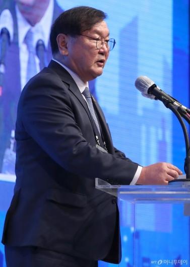 [사진]축사하는 김태년 원내대표