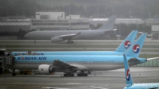 [사진]인천공항 도착한 공군 공중급유기