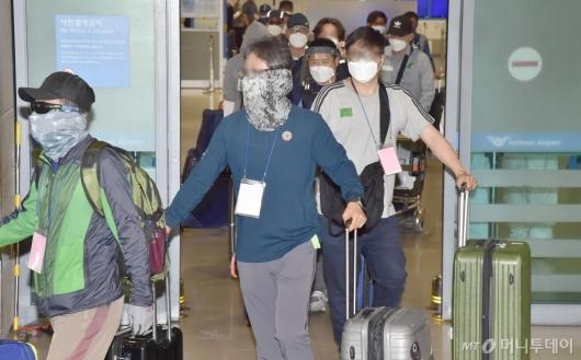 [사진]고국으로 돌아온 이라크 파견 근로자들