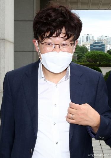 [사진]'검언유착' 수사심의위 참석하는 이철 측 변호인