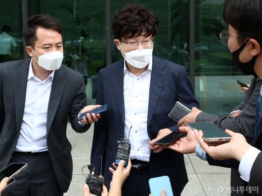 [사진]답변하는 이철 전 대표 측 변호인