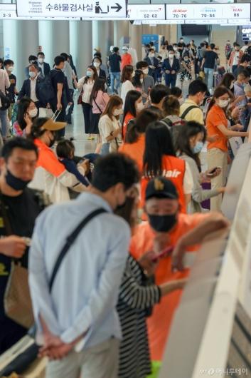 [사진]여행객 몰린 김포공항 국내선