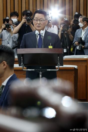 [사진]발언하는 박지원 후보자